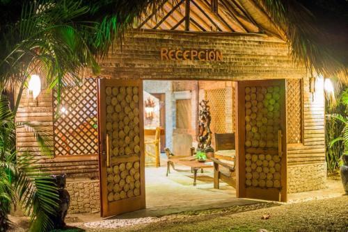 natura-cabana-boutique-hotel-spa-exterior-9c0d4d7
