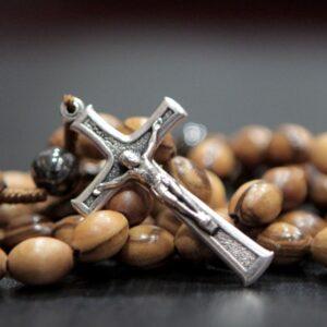 Rosario en madera olivo de Belén